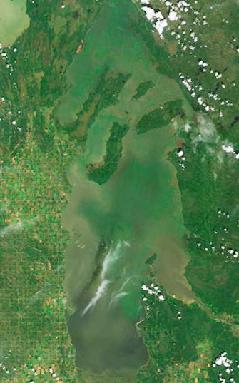 mage from space of Lake Winnipeg with huge algal blooms