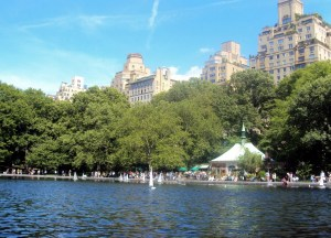 Central Park Lake photo courtesy of Mytravelphotos.net